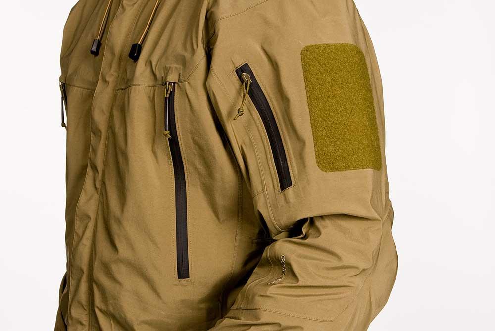 newest 06d81 7d6c9 Arc'Teryx Leaf Alpha Jacket